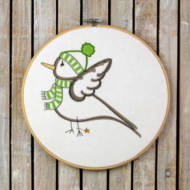 Embroidery design winterly Birdie with scarf - Download embroidery file by FADENFRISCH