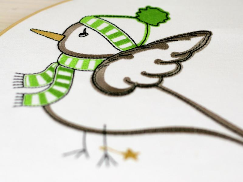 Embroidery design winterly Birdie in snow - Download embroidery file by FADENFRISCH